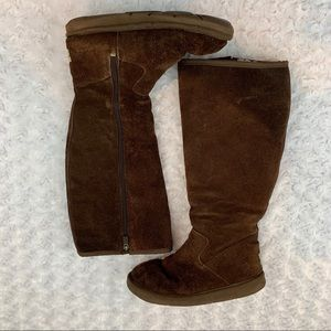 UGG Australia Sheepskin Women's Boot SIZE 6